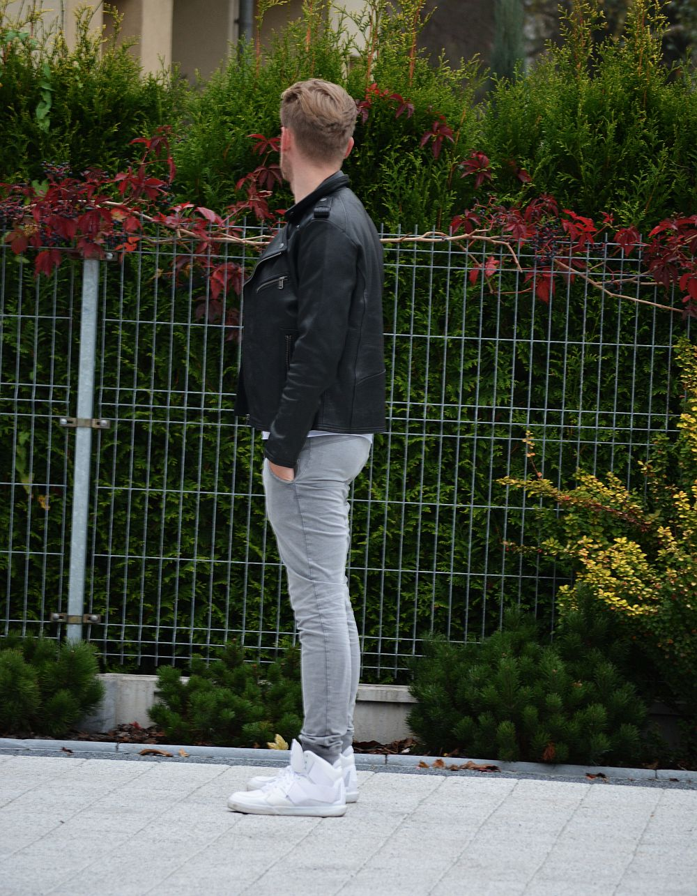 Black leather ramones H&M, Grey pants Pull & Bear, white shirt Reserved, Sneakers Adidas Classic